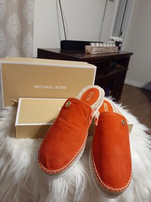MICHAEL KORS SIZE 7.5...9.5... for Sale in Highland, CA