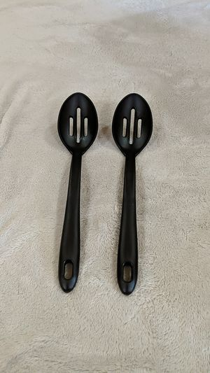 Plastic slotted spoons for Sale in Warrendale, PA