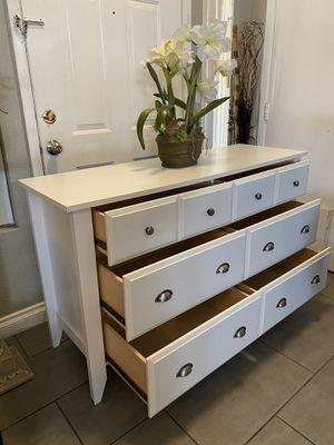 6 drawers Long Dresser for Sale in North Las Vegas, NV