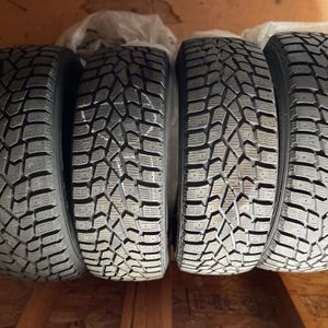 Set of four (4) Sumitomo snow tires for Sale in Depew, NY