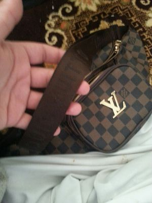 Louis vuitton bag negotiable for Sale in Hampton, VA