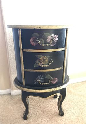 jewelry furniture/ Night stand/end table, etc. 🌹H29-W19 for Sale in Chula Vista, CA