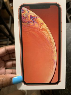 iPhone XR AT&T for Sale in Tampa, FL
