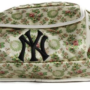 Gucci MLB Fannypack/backpack for Sale in Mountain View, CA