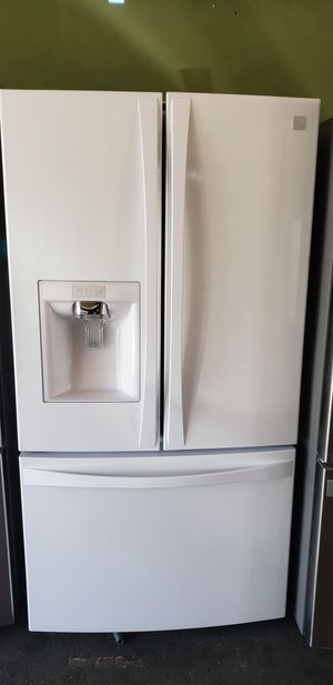 BEAUTIFUL REFRIGERATOR FRENCH DOOR WHITE KENMORE ELITE for Sale in Los Angeles, CA