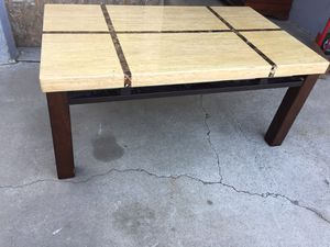 Coffee table in good condition. for Sale in Fresno, CA