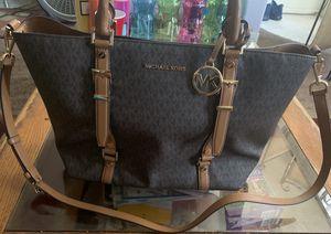 Micheal Kors bag for Sale in Yuma, AZ