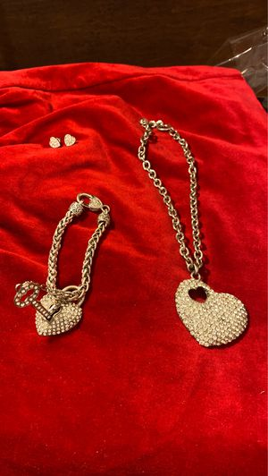 Heart necklace with bracelet and earrings for Sale in Houston, TX