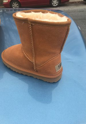 Ugg boots Brand new never been used size 1 and 150 for both for Sale in Annapolis, MD