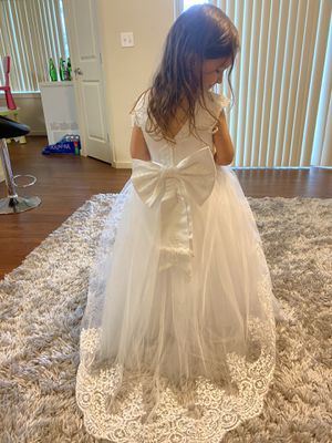 Flower girl dress for 4 years for Sale in Vancouver, WA