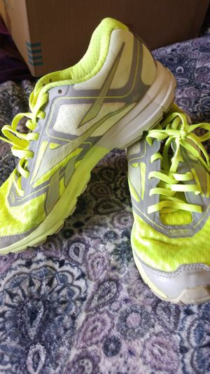 Reebok 9 running shoes for Sale in Sterling Heights, MI