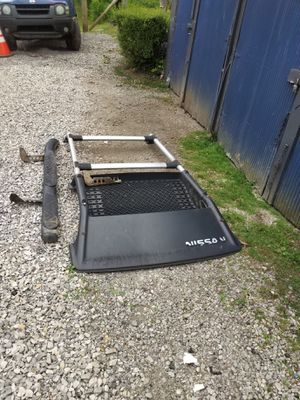 Nissan Luggage Rack for Sale in Saint Clairsville, OH