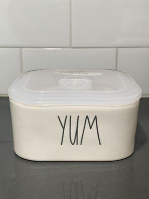 Rae Dunn Yum Food Storage Container for Sale in La Puente, CA