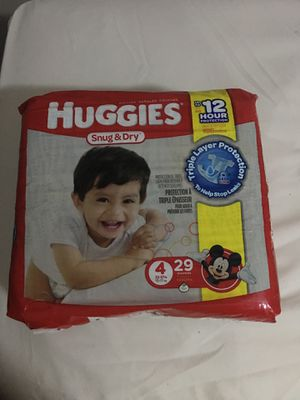 Huggies snug & dry size 4 for boys for Sale in Dallas, TX