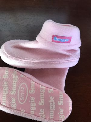 Snuggie Pink Slippers S 11-12 for Sale in East Brunswick, NJ