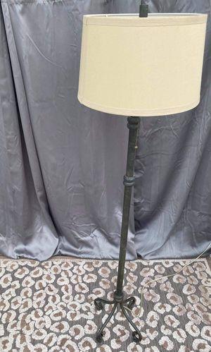 Black floor lamp for Sale in Woodbridge, VA