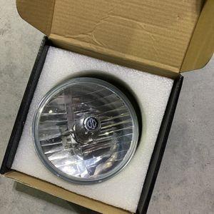 Harley Davidson Iron 883 Headlight for Sale in Dacula, GA