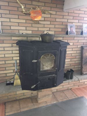 Alaskan stove for Sale in Plymouth, PA