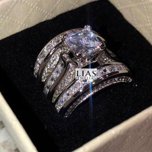 New 14k White Gold Wedding Ring Set for Sale in Fort Lauderdale, FL