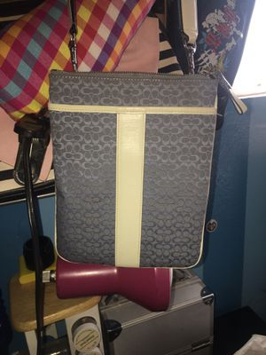 Coach messenger bag for Sale in Pomona, CA
