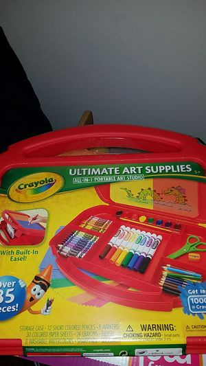 Crayola Ultimate Art Supply Kit for Sale in Northvale, NJ