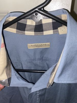 Men's Burberry button up size is small, amazing condition for Sale in Kerman, CA