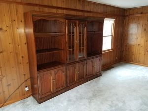FREE Three Piece Wall Unit for Sale in Stamford, CT