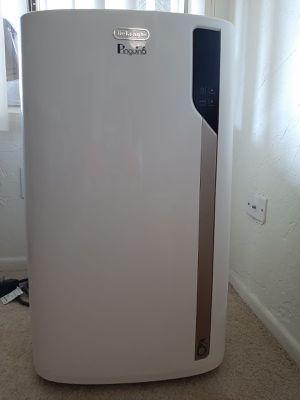 DeLonghi Pinguino EL275 500sq. feet Portable Air Conditioner for Sale in La Habra, CA