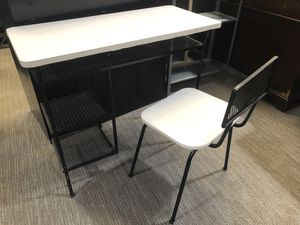 Small Desk with Chair for Sale in Tempe, AZ