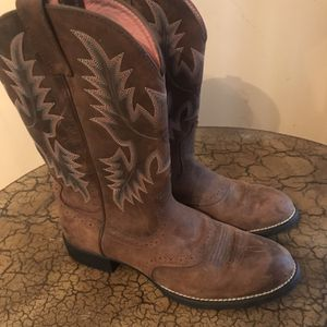 Ariat boots Women's Size 10B for Sale in San Antonio, TX