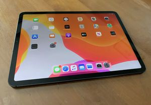 IPad Pro 11 Inch 64GB with Cellular 64GB for Sale in St. Petersburg, FL
