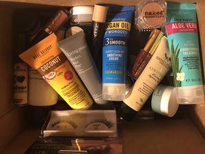 Box of NEW makeup (READ DESCRIPTION) for Sale in Lodi, CA