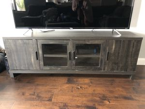 TV Stand Wooden for Sale in San Jose, CA