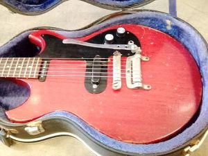 Vintage 1960's GIBSON Melody Maker electric guitar for Sale in Los Angeles, CA