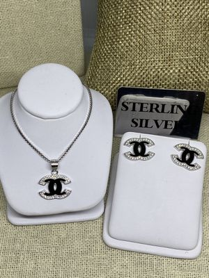 Fashion Jewelry Set Earrings Necklace for Sale in Carson, CA