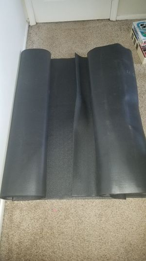 2 Extra Large Workout heavy duty vinyl black gym mat. 8 foot long x 4 feet wide each mat. for Sale in Deerfield Beach, FL