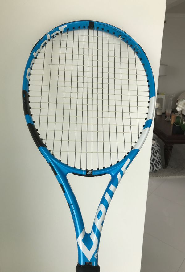 BABOLAT 🎾PURE DRIVE TENNIS RACKET. $130 plus $7 SHIPPING. GRIP SIZE 41/4