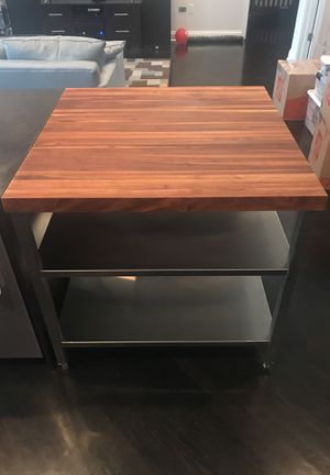 """37"""" x 37"""" Edge grain butchers block kitchen island with food grade stainless steel shelf for Sale in Chicago, IL"""