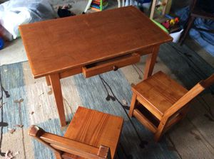 Kids toddler desk with 2 chairs for Sale in Fayetteville, TN