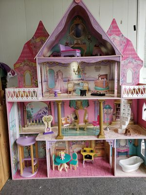 Huge doll house for Sale in NORTH PRINCE GEORGE, VA