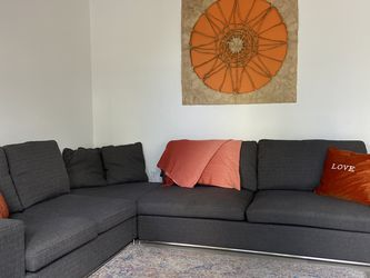Gray Cloth Sectional for Sale in Miami,  FL