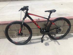 Giant mountain bike 2018 for Sale in Fontana, CA