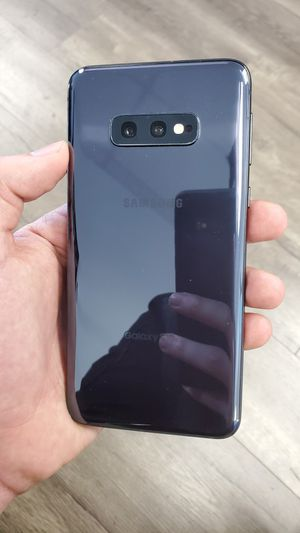 Galaxy S10e Unlocked 128GB *COMPATIBLE with all CARRIERS for Sale in Garland, TX
