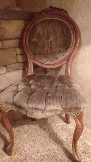 Vintage Chair for Sale in Hillsboro, MO