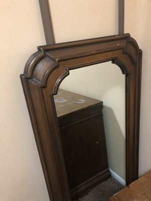 Antique dresser and mirror for Sale in Doraville, GA
