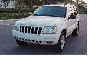 Runs Good 2004 Jeep Grand Cherokee AWDWheels for Sale in Las Vegas, NV