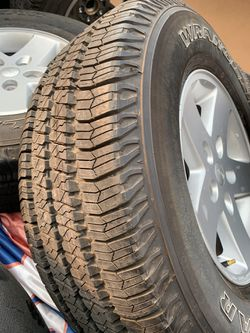 Jeep Wrangler stock tires P255/75 R17 for Sale in Sanger,  CA