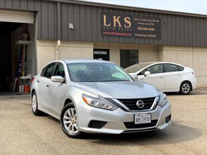 2017 Nissan Altima for Sale in Fresno, CA