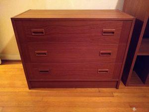 Dresser, 3 Drawer for Sale in Winter Park, FL