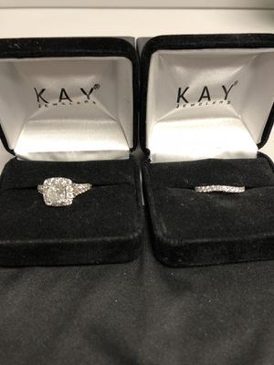Neil Lane Engagement Ring set 2-1/6 Ring and 3/8 wedding band for Sale in Cary, NC